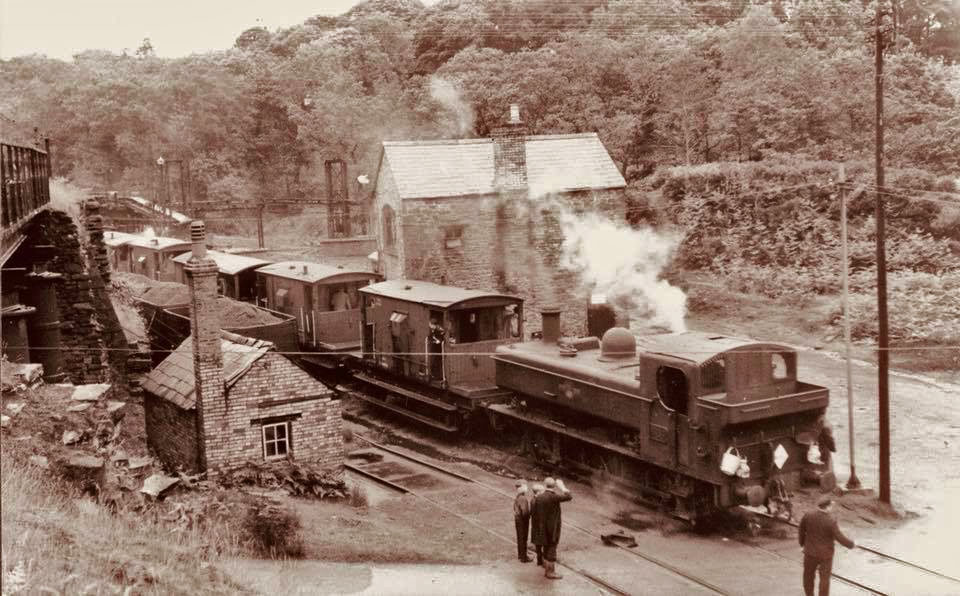 A photo showing Princess Royal Colliery - rail crosing