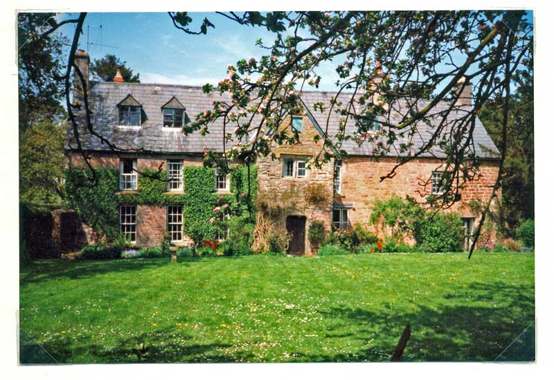 A photo of Pastors Hill House in 1986